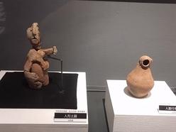 帰ってきた西一里塚遺跡の人形(ひとがた)土器と、松原遺跡の人面付土器